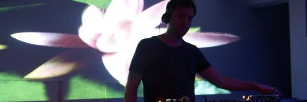 Elon - Live @ Radio Berlin,Bogota - 15-09-2012