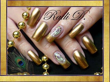 Златен металик с декорация Пауново перо