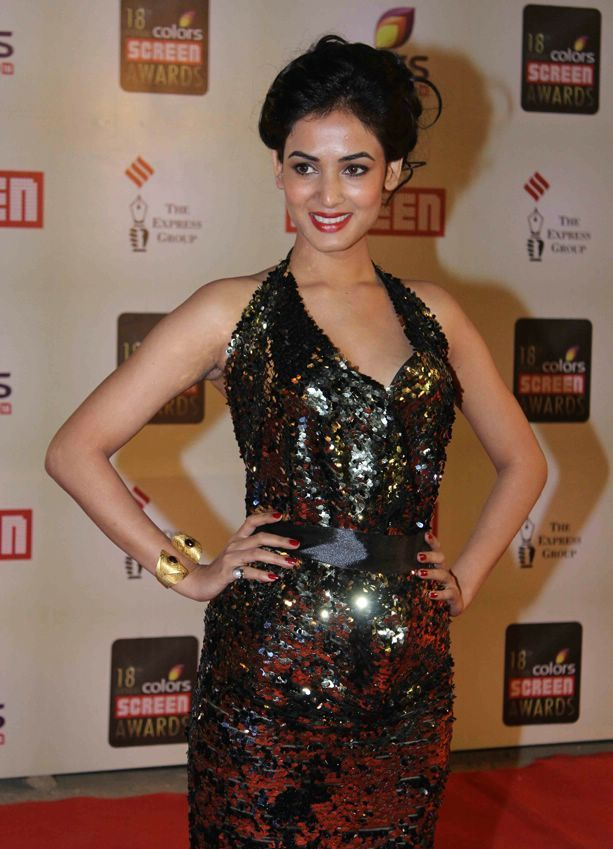 1 - Sonal chauhan at 18th Annual Colors Screen Awards