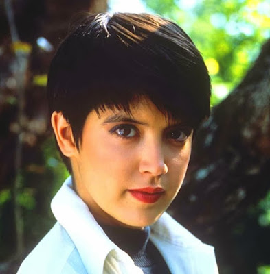 Phoebe Cates hot cute