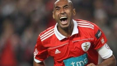 Luisão insulta adeptos do Benfica no jogo com o Gil Vicente