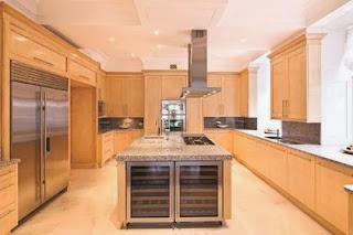 Gambar Dapur Modern Desain Mewah minimalis Kayu Alam