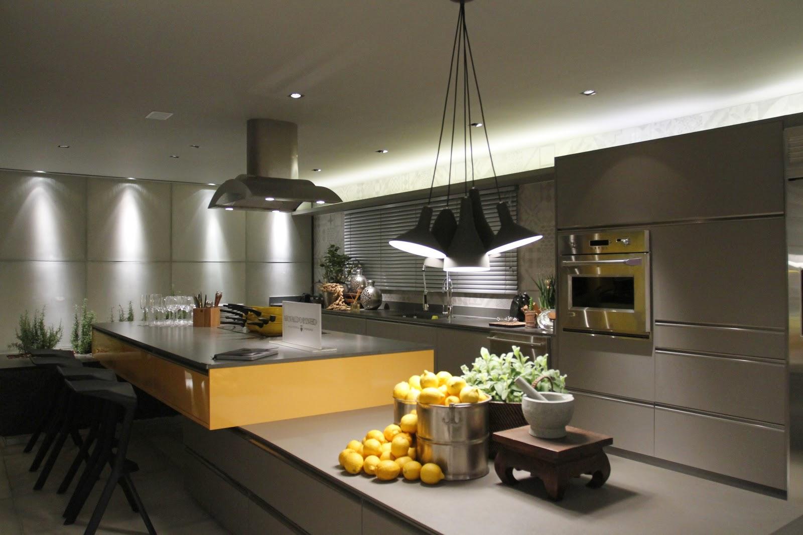 Cozinha Casa Cor concorre ao melhor ambiente deste ano na capital  #B78A14 1600 1067