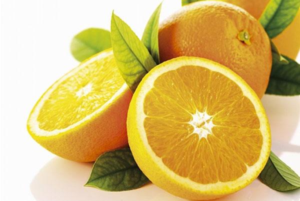 Với những dưỡng chất cần thiết, cam, quýt được xem là phương pháp nuôi dưỡng và làm đẹp da an toàn, hiệu quả