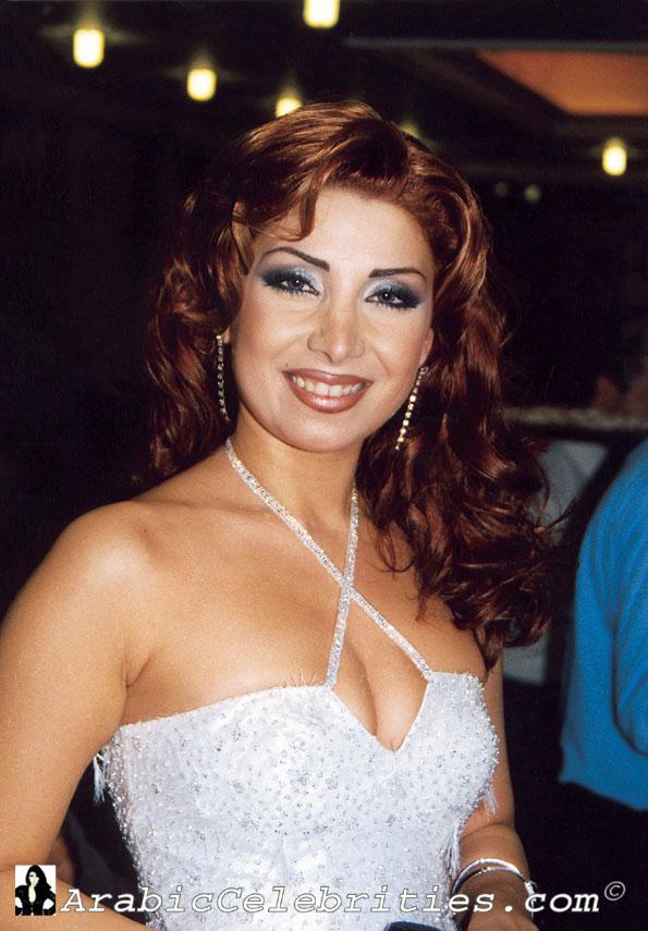 http://3.bp.blogspot.com/-LODQfruQgUE/TlkA0P7fKAI/AAAAAAAAAg8/1ryZToHzRmA/s1600/Aline_Khalaf09.jpg