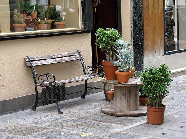 Bench, rue de Turenne, 3e arrondissement, Paris