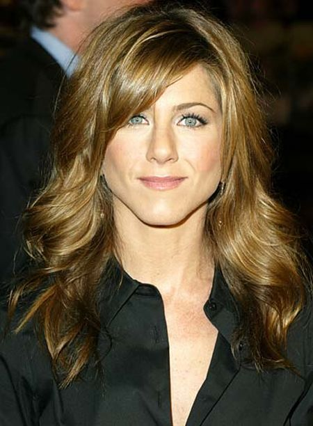Long Hairdos With Bangs. Aniston Hairstyles Bangs.