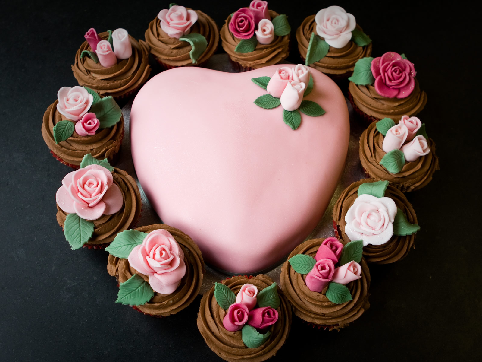 Heart Shape Cake Decoration At Home : Android Phones Wallpapers: Android Wallpaper Heart Shaped Cake