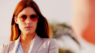 Jennifer Carpenter as Lt.Debra Morgan with Sunglasses HD Wallpaper