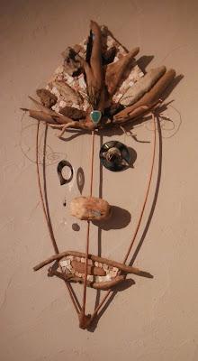 Dernière née de mes créations sur le thème des masques, à la fois mobile, sculpture et mosaïque par mimi vermicelle decoration d'interieur