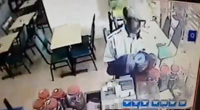 Kurang Ajar! Pencuri Tabung Derma Di Kedai Mamak (Video)