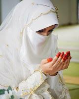 Wanita Sholehah itu Ratunya Bidadari-Mutiara Hati