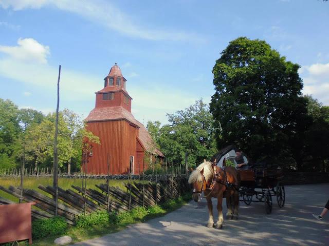 Iglesia de madera Seglora del S. XVIII