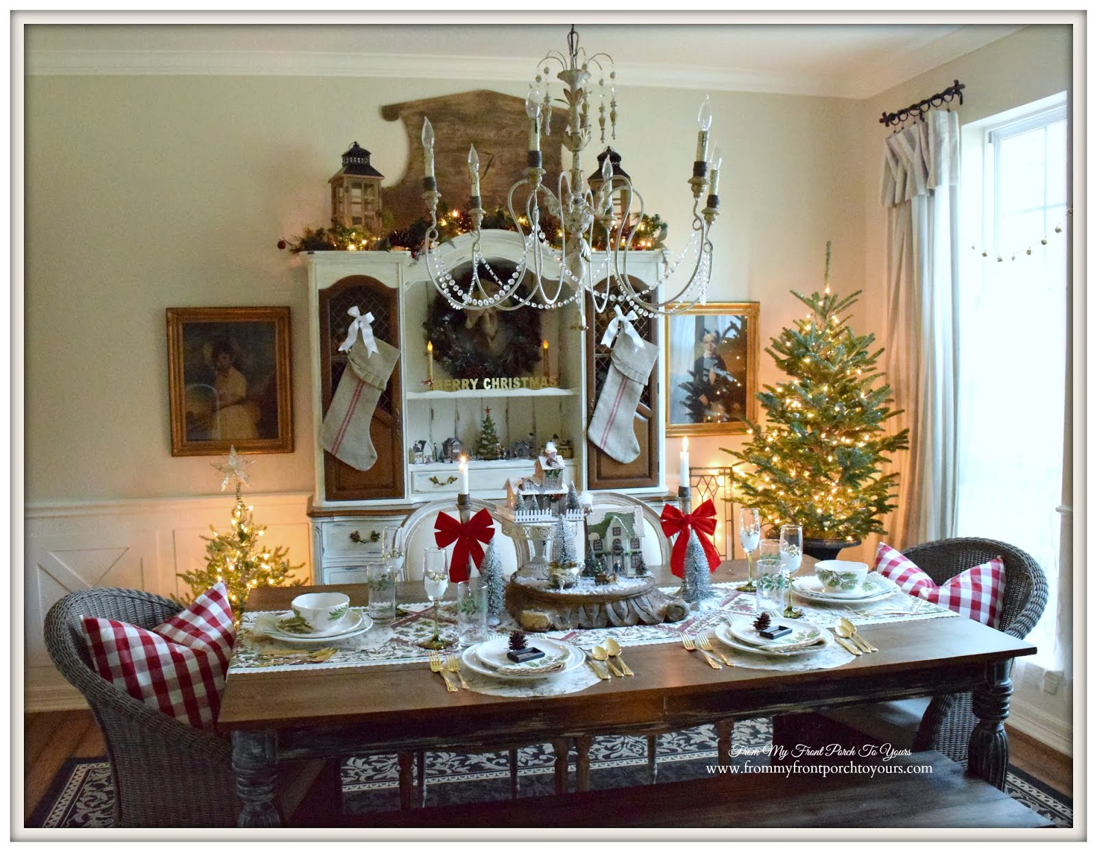 Christmas Dining Room from my front porch to yours: farmhouse christmas dining room