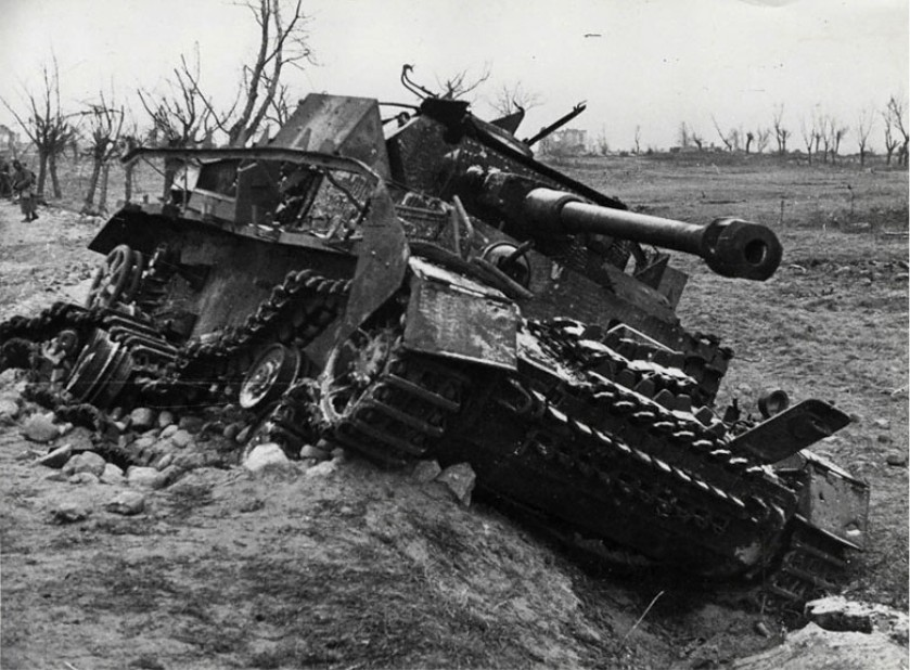 war military tanks destroyed 1280x960 wallpaper High Quality ...