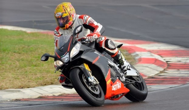 Aprilia RSV4 Factory Latest Motorcycle HD Wallpapers