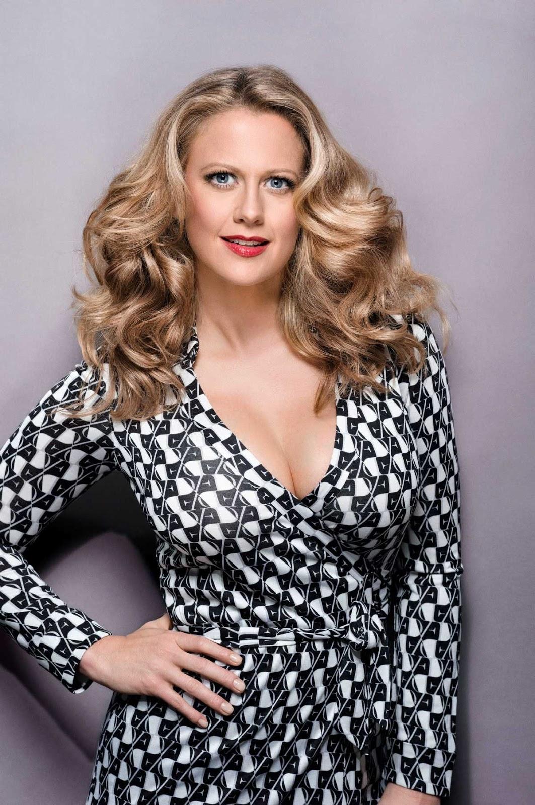 Barbara Schöneberger | Barbara Schöneberger | Pinterest | Actresses, Singer and Hair