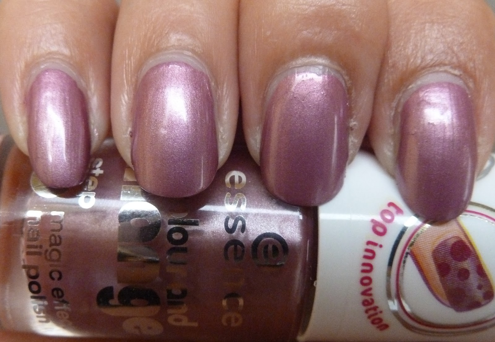 NailsByStephanie: Essence Colour and Change