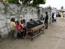 Unik! Seperti Ini Rental PlayStation di Afrika
