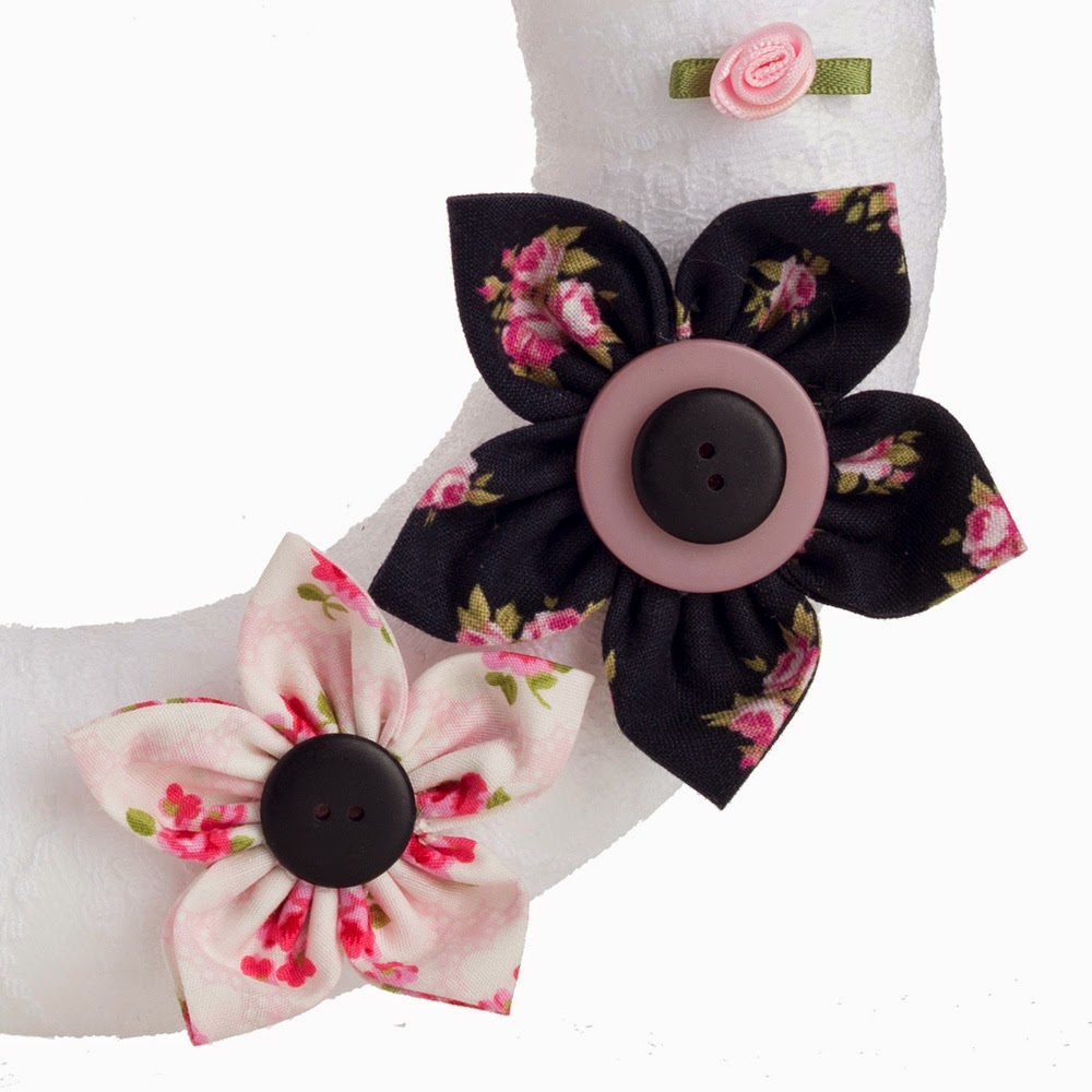 Pink and black floral wreath by Welaughindoors 3