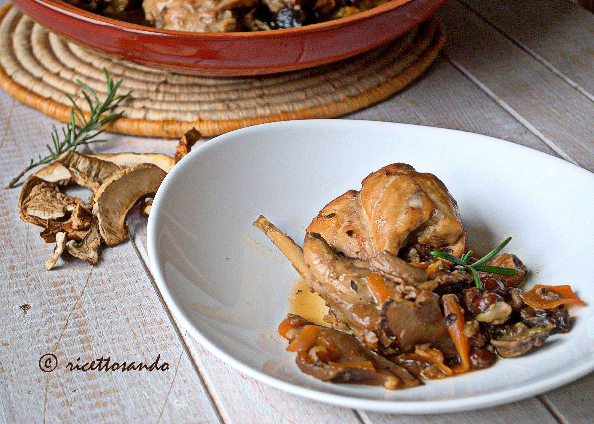 Coniglio ai funghi in salsa di soia ricetta secondi di carne bianca stufata