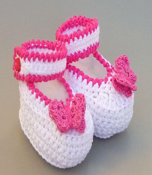 des mod les de chaussons au crochet pour votre bb fille. Black Bedroom Furniture Sets. Home Design Ideas