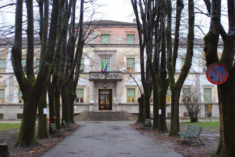 Cremona in comune palestra della scuola stradivari for Costo della palestra giungla