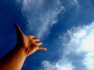 tangan. langit, awan, biru, mulakan, diri, sendiri, ibadah, doa, solat, nasihat