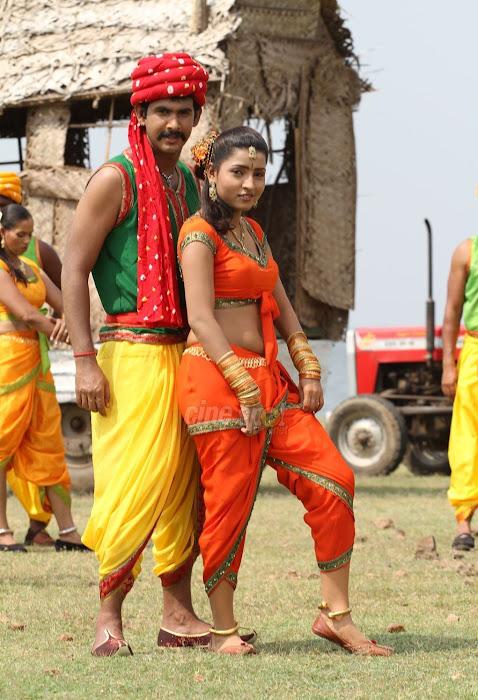 South Hot Aakansha Tamil Latest Movie Marudhavelu Stills film pics