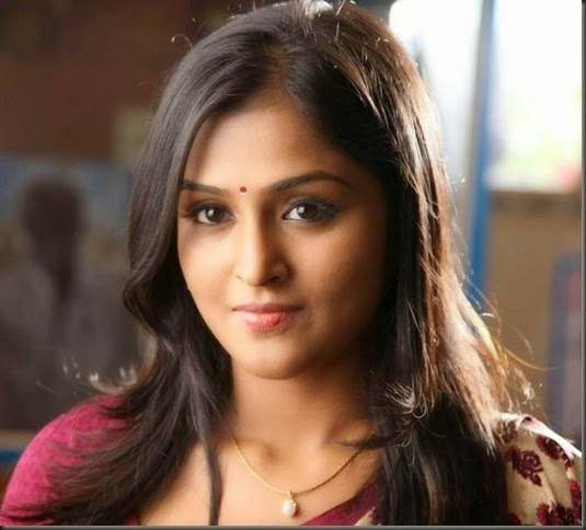 Hot_malayalam_actress_Ramya_Nambeeshan