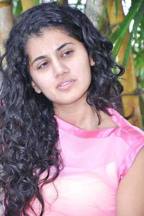 tapsee new looking - mogudu interview photo gallery