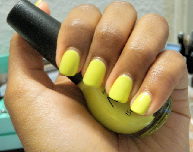 Review and swatches of Ladies In The Limelight yellow green color by Nicole by OPI Kardashian Kolors CVS exclusive for spring 2012.