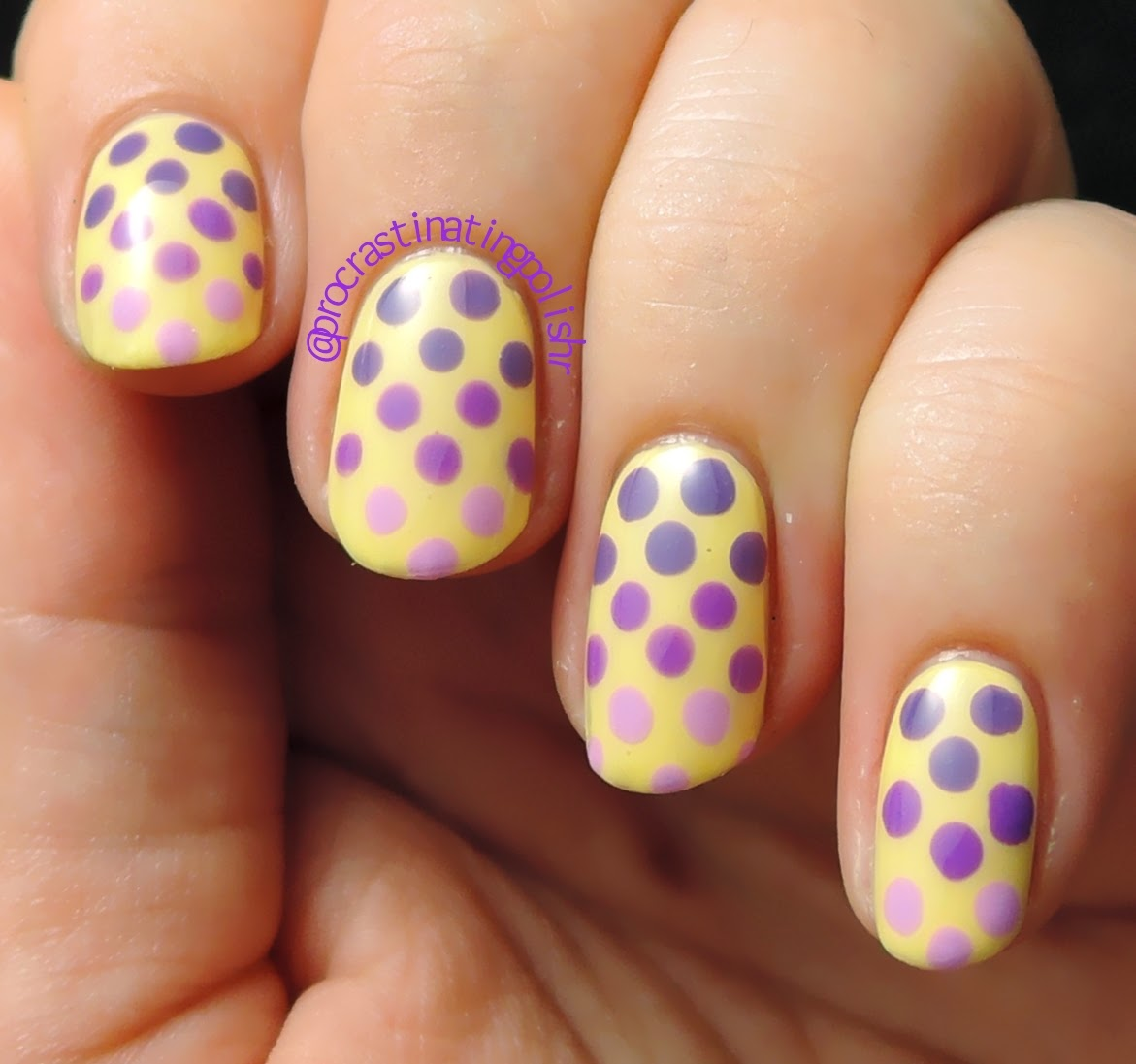 Purple dotted gradient nail art