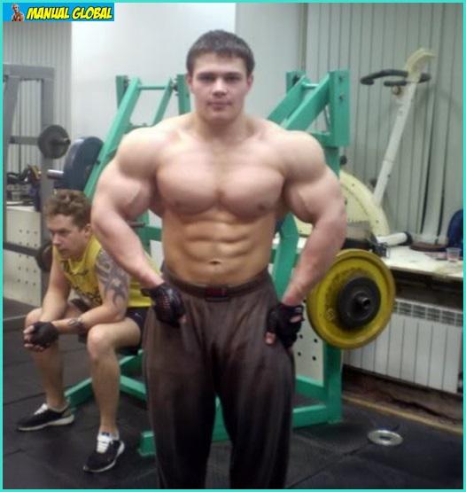 devushka-soblaznila-razdvinuv