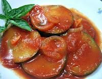 Abobrinha Caipira ao Molho de Tomates (vegana)