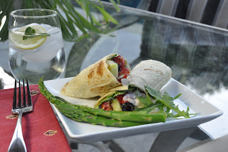 Recipe: Greek chicken wraps