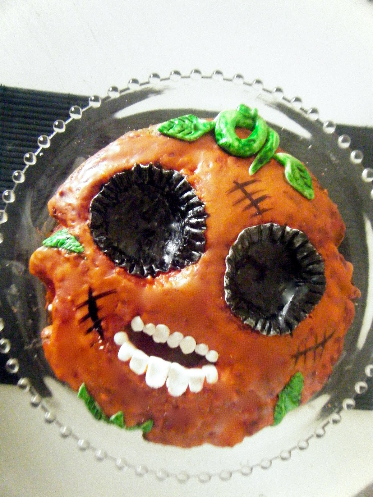 How to make decorate a spider cake for halloween cake for Deco cuisine halloween