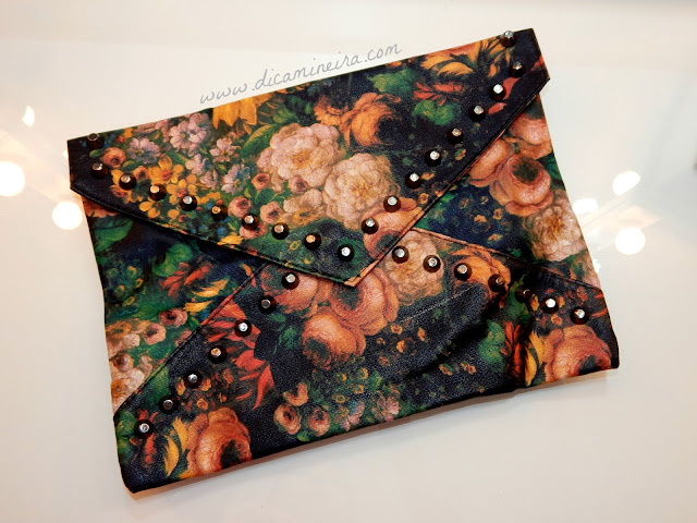 Comprinha Dresslink: Handbag Floral com Tachas