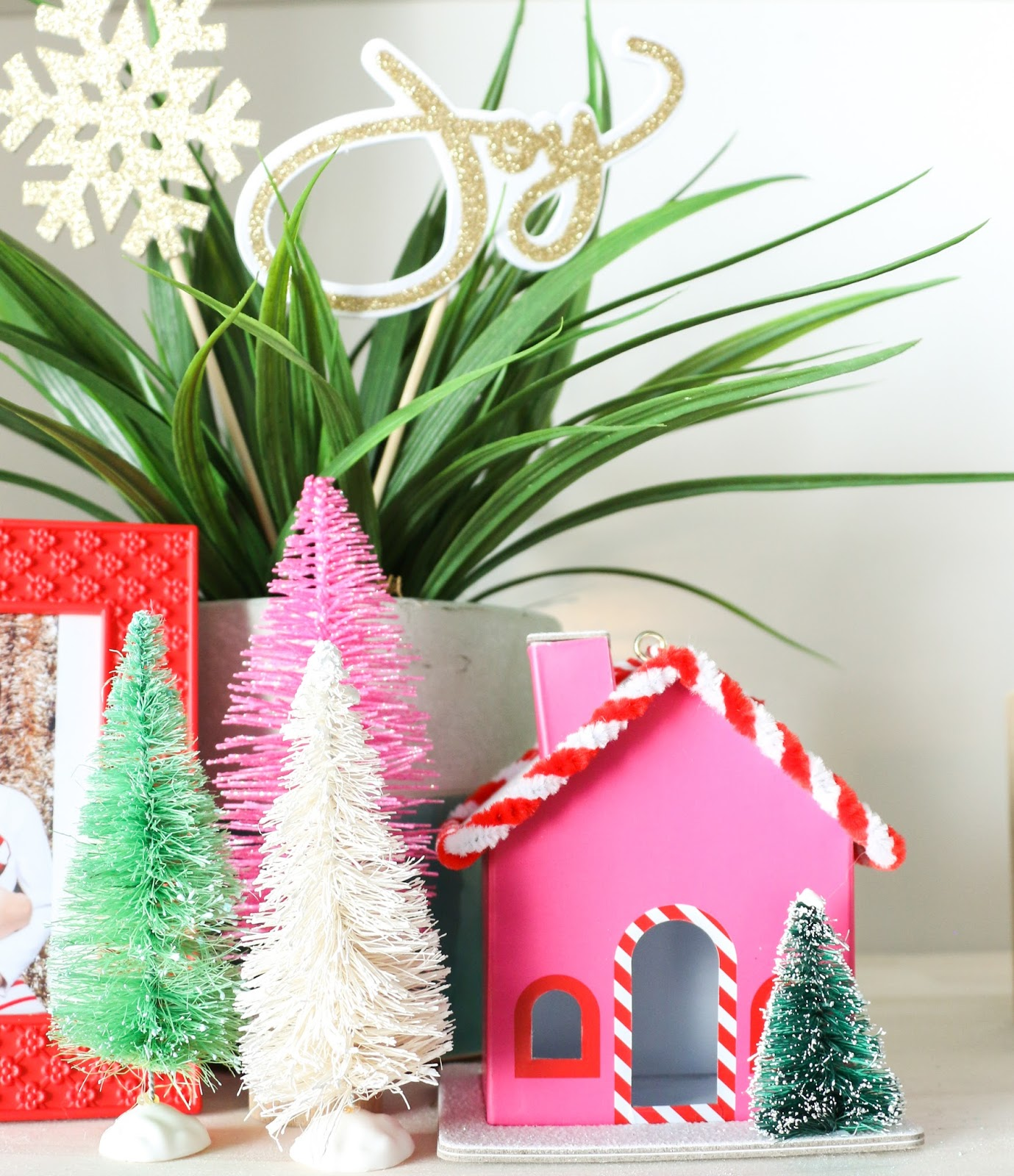 Christmas Home Tour Part 1 - The Built-ins - A Kailo Chic Life