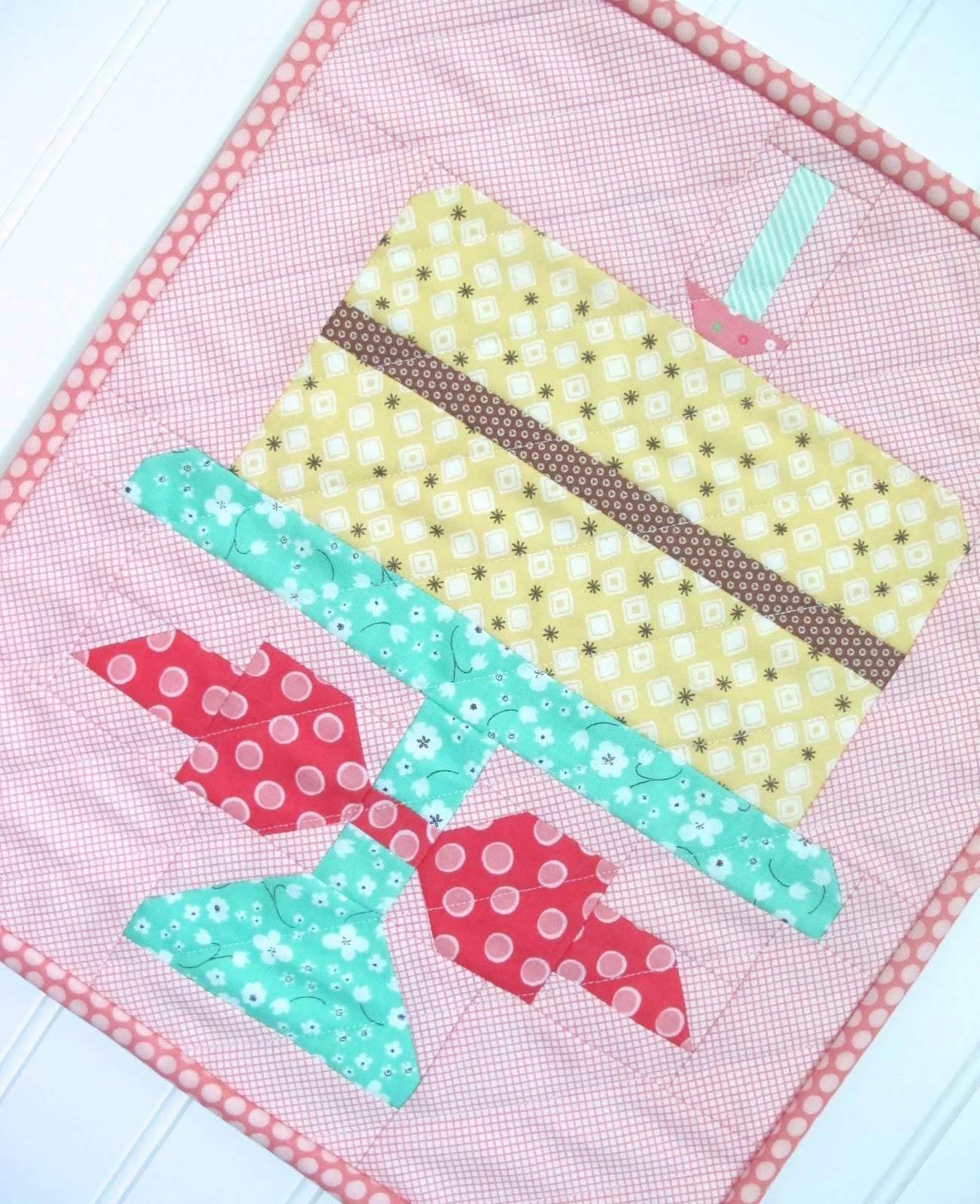 Bee In My Bonnet: Quilty Fun Is Having A Birthday Party And You're Invited!!!…Free Birthday Cake
