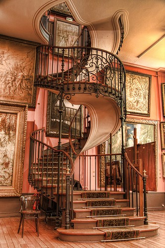 Nice To Look At: Pink Spiral Staircase