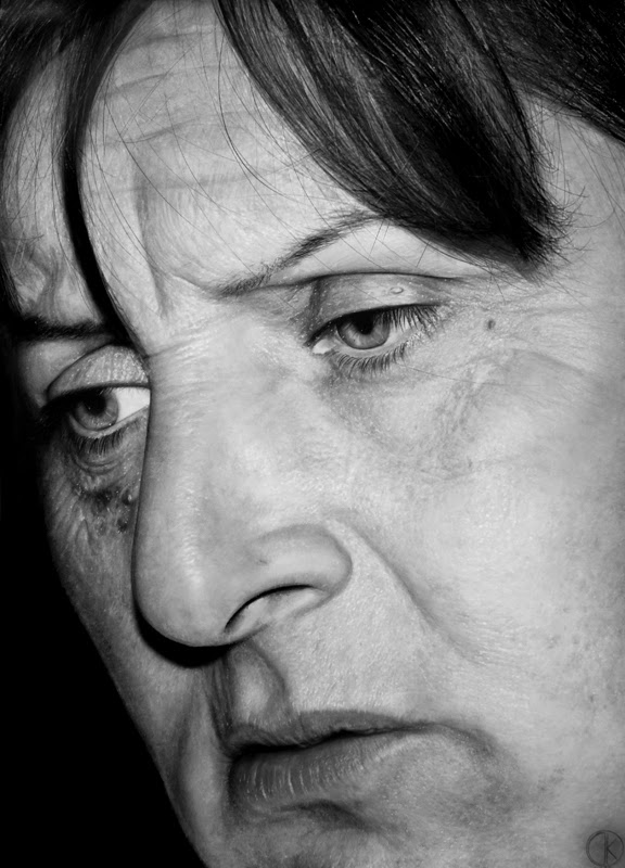 02-Il Silenzio-del-Dolore-DiegoKoi-Hyper-Realistic Emotions in a Drawings-www-designstack-co