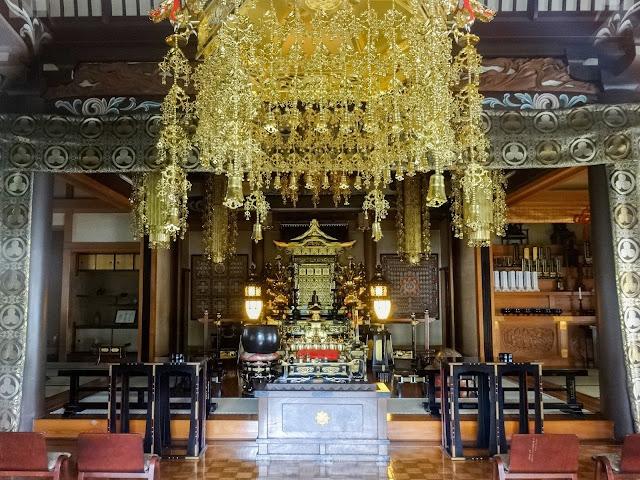 圓照寺,本堂内,新宿〈著作権フリー無料画像〉Free Stock Photo