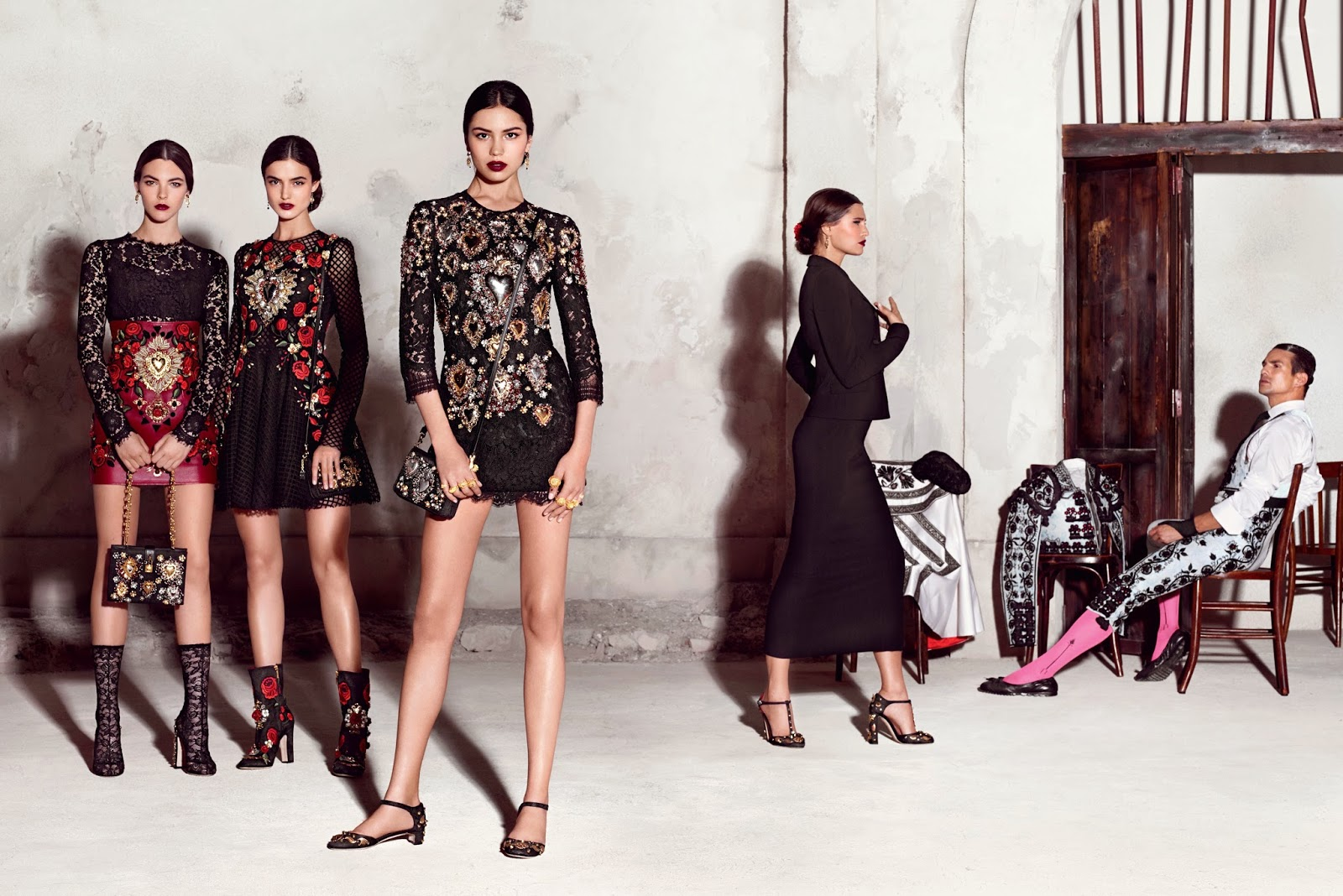 http://www.syriouslyinfashion.com/2015/01/dolce-gabbana-ss-2015-ad-campaign.html