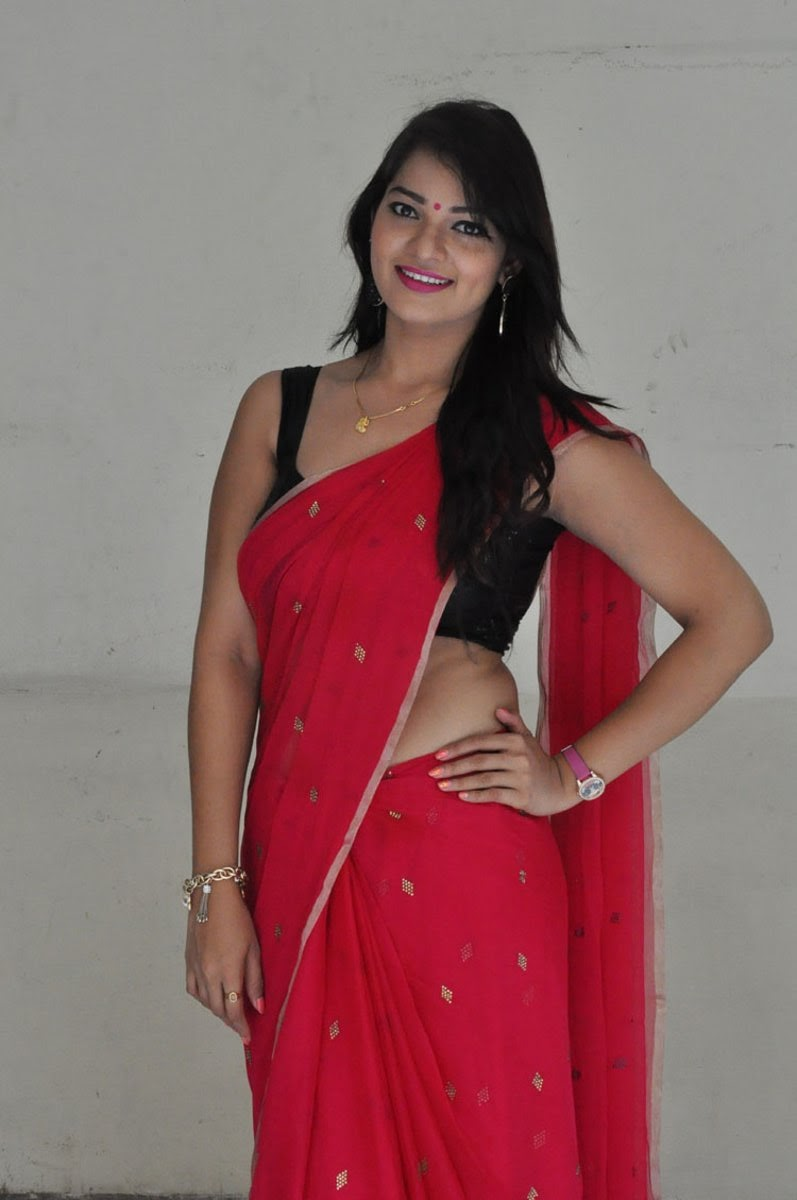 sizzling hot in saree