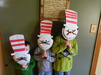 dr seuss activities for kids {weekend links} from HowToHomeschoolMyChild.com