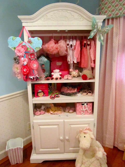 Blue girl nursery : Heart pears: chic pink and aqua blue girl nursery