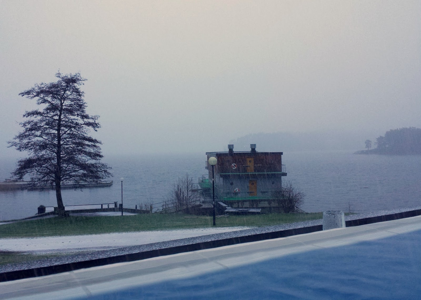 Skepparholmen Spa Hotel outdoor heated pool in Nacka, Stockholm + Swedish sauna customs  |  Swedish sauna rituals and snow flurries by the sea on afeathery*nest  |  http://afeatherynest.com