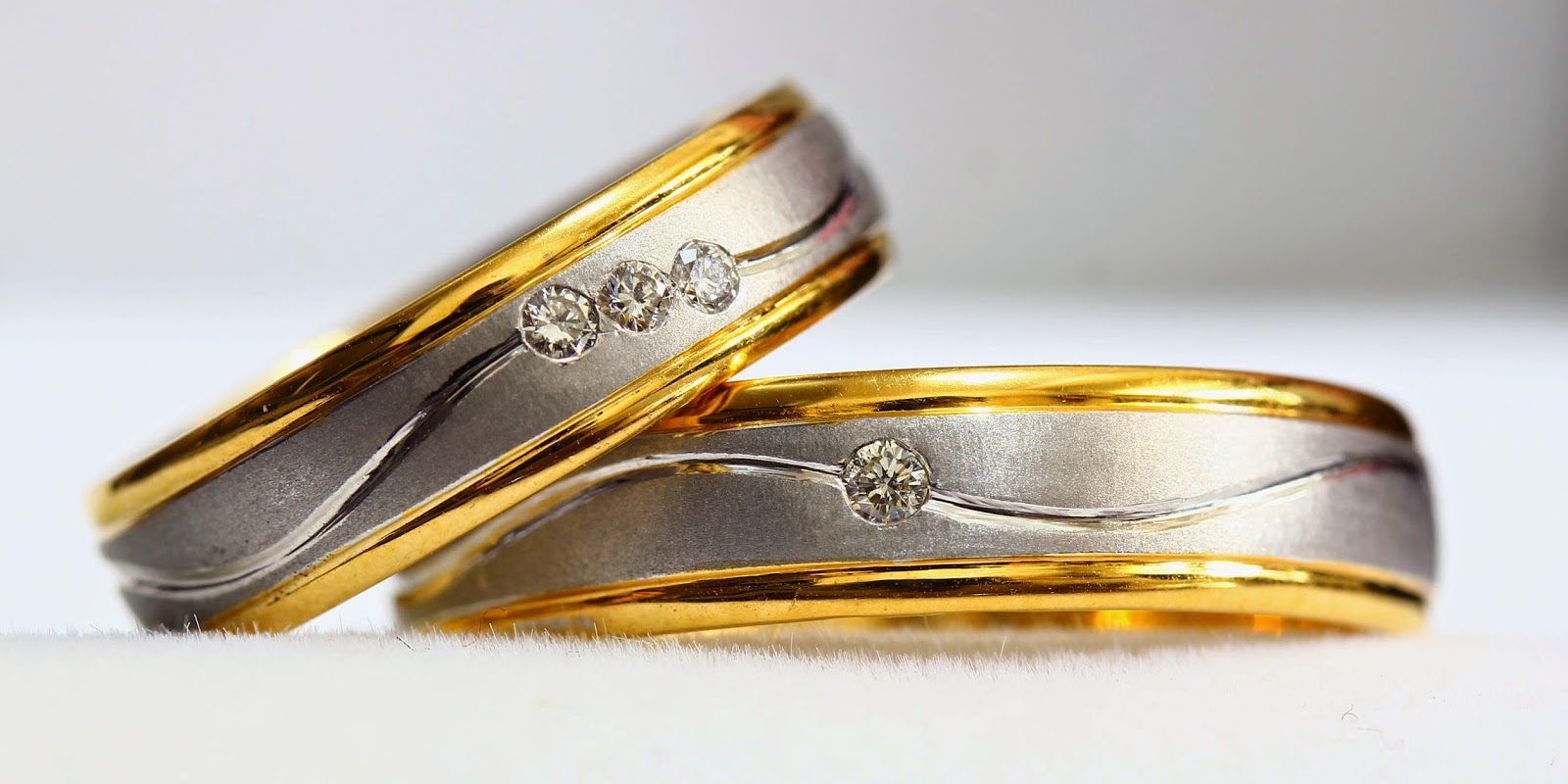 Their Work Is Absolutely Stunning: Shop For Wedding Rings At Reisefeber.org