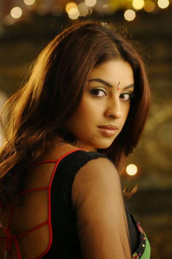 richa gangopadhyay backless blouse saree hot pictures phots images unseen rare hot hd sexy pics
